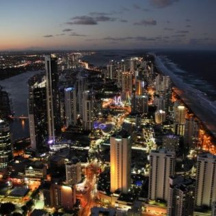 Explore Surfers Paradise with Redspot